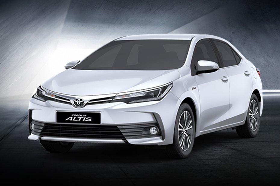 Corolla Altis Front angle low view