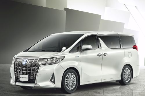 Alphard Front angle low view