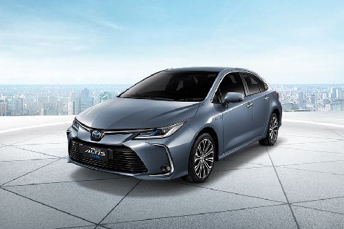 Corolla Altis 2019 Front angle low view